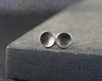 Silver cup earrings, rustic stud, circle stud earrings, disk studs earrings, eco friendly earring, unique gift sister, daily earrings