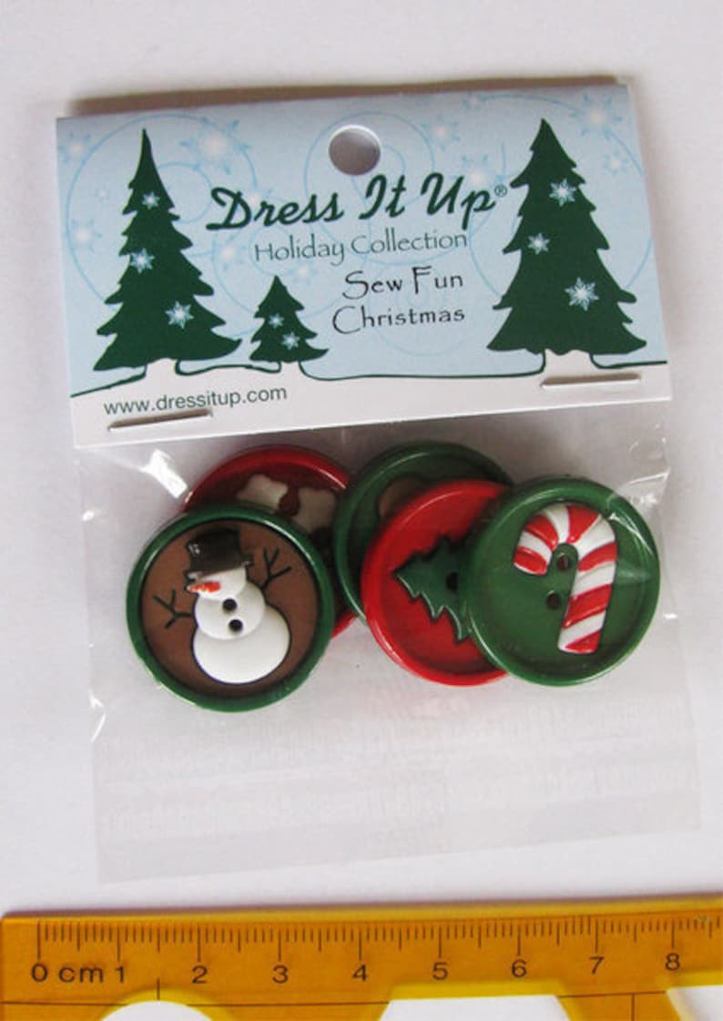 Dress it up buttons 1 pack Sew Fun Christmas round buttons image 0