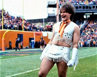 Robin Williams became the first ever male cheerleader for the Denver Broncos in 1979