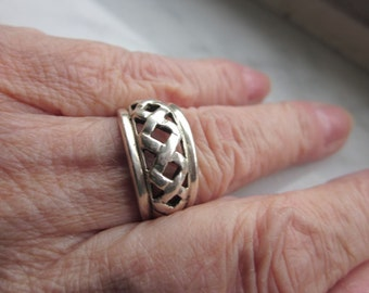 Sterling Celtic band woven silver 925 ring clearance sterling wedding bands celtic braid vintage ring size 6 3/4 solid heavy silver rings