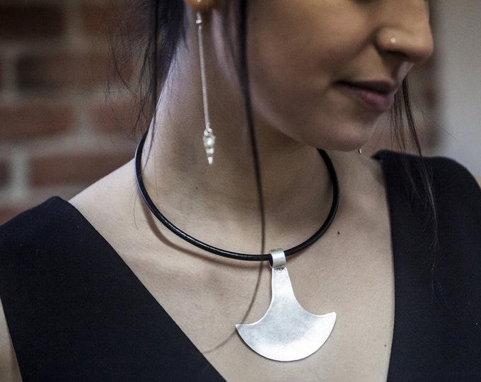 Naga Choker necklace.