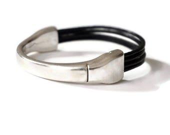 Orissa-metal silver links leather bracelet
