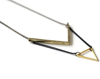 Necklace Triangle Brass.