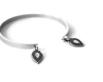 Bracelet Mogok.