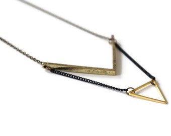 Necklace Triangle Brass.