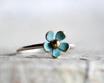 Black Friday, Daisy ring ,flower ring,blue daisy ring, daisy jewelry,flower jewelry,stacking ring, floral ring ,spring ring , margarita ring