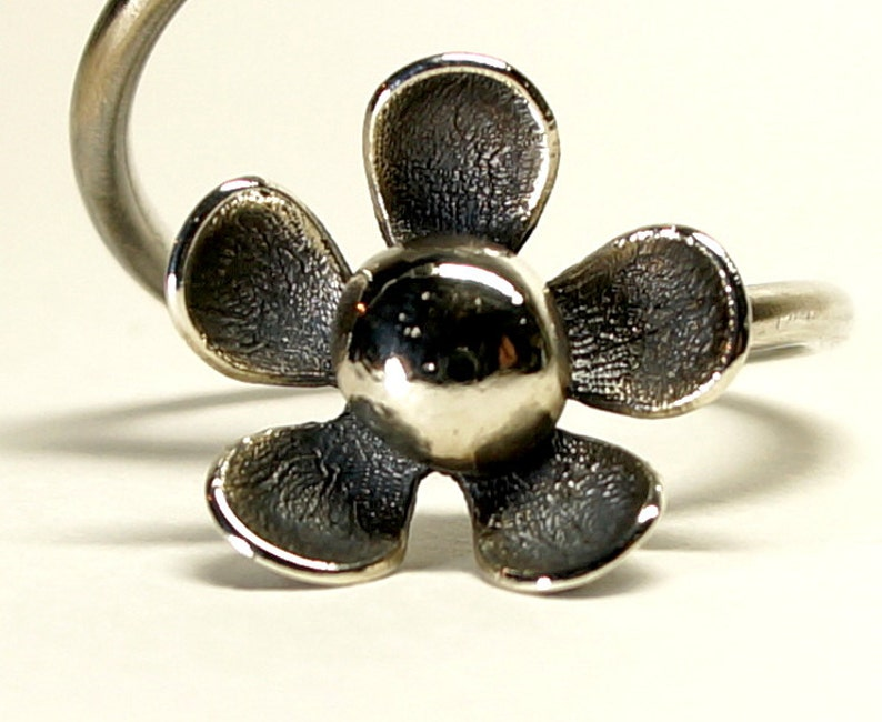 flower ring daisy black ring one size silver ring gift for her gothic ring,free shipping Adjustable sterling silver oxidized daisy ring