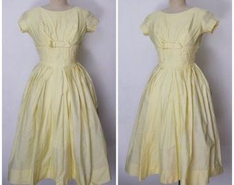 Vintage 1950s Dress | 50s Yellow Dress | Full Skirt Dress | 1950s Light Yellow Bow Dress