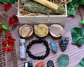 Energetic Protection Crystal Kit | Gemstone & Sage Gift Set for Meditation Altar, Crystal Healing Wicca, Metaphysical Spiritual Gifts