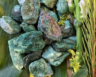 Raw FUSCHITE Crystals  - Rough Green Crystals - Rough Gemstones for Healing, Reiki, Heart Chakra, Yoga, Meditation,