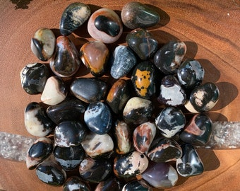 SARDONYX (Grade A Natural) Tumbled Polished Stones Gemstone Rocks for Healing, Yoga, Meditation, Reiki, Wicca, Crafts, Jewelry Supplies