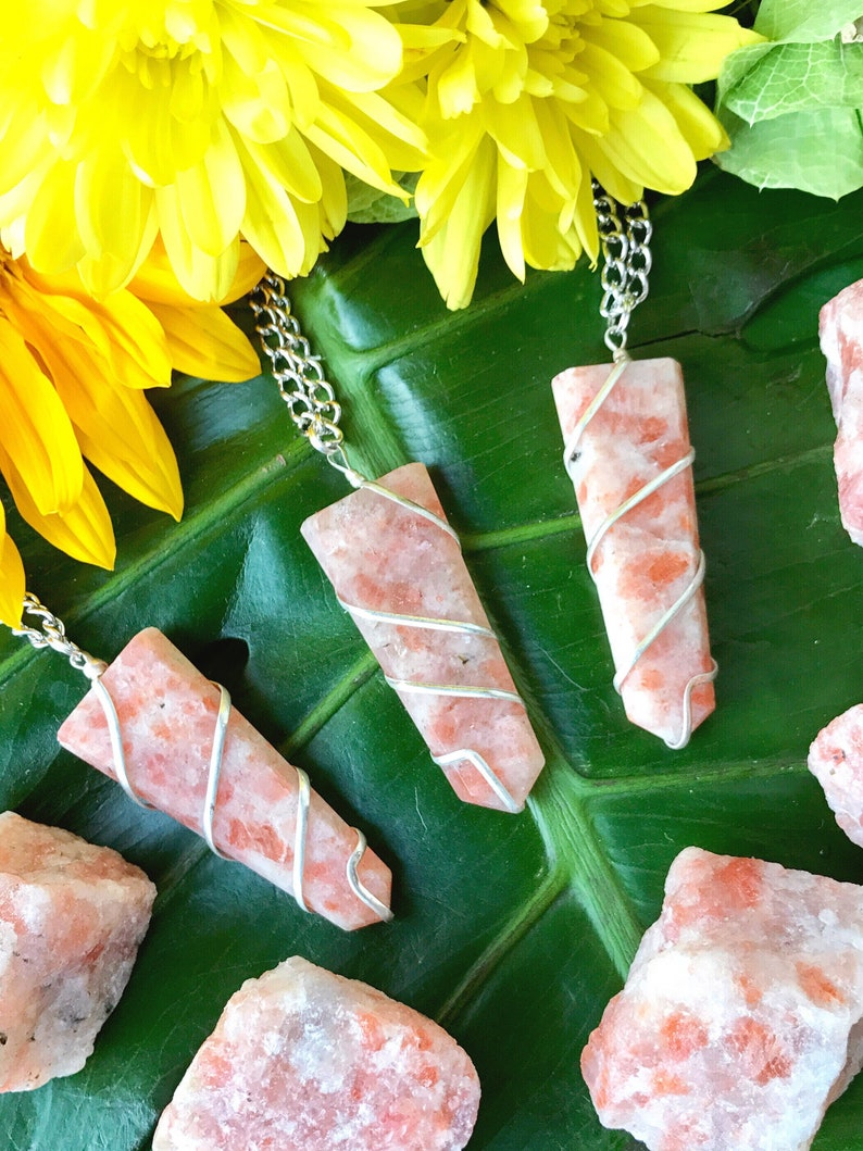 Crystal Healing Necklace Mayan Rose Natural Orange Sunstone Point Pendant SUNSTONE Crystal Point Necklace on Silver Pewter Chain