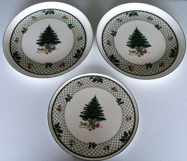 Christmas Platters For Sale.Mikasa Christmas Story Cake Plate Two 14 Inch Party Platters