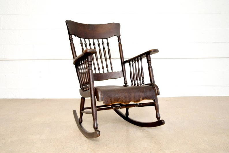 buy online 291af 78dc6 Rocking Chair, Antique Rocking Chair, Antique Smith Day & Co. Victorian  Wooden Rocking Chair with Spindleback and Bentwood Seat