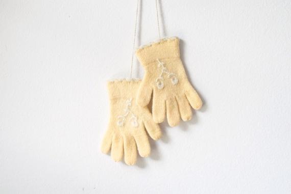 vintage girl's gloves, childs gloves, kid's gloves