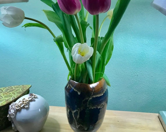 Super Cool Ceramic Vase with Modern Silhouette