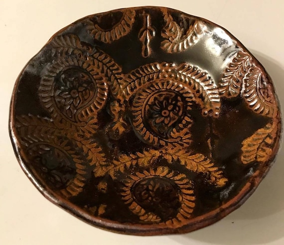 Ceramic Bowl in Rich Brown with Delicate East Indian Design in Golden Rutile