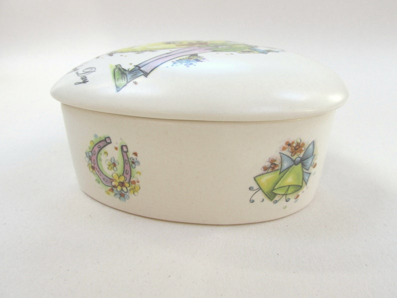 1970s Heart Shape Aldridge Pottery 10.2cm x 10.3cm x 5.2cm Paupers/' Wedding Day Vintage Trinket Box