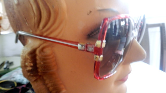 Seventies mod oversized red  licite sunglasses in… - image 2