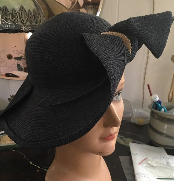 1930s Milan straw navy and creme brimmed hat