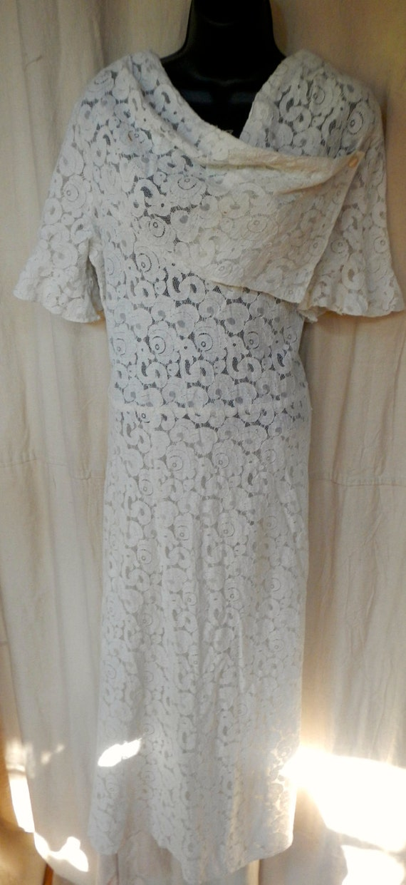 White cotton lace dress from the 20s,beautiful sha