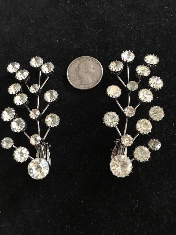1950s spray rhinestone earrings in clip on