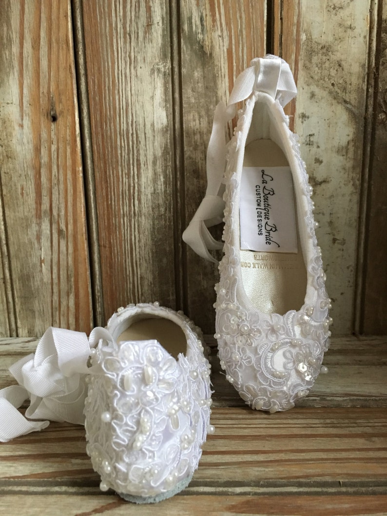 b028c3044eb3b First Holly Communion Flower Girl Shoes Lace Ballet Flats Beaded Lace  Ballet Shoes