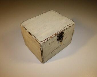 Wooden box - PALE S