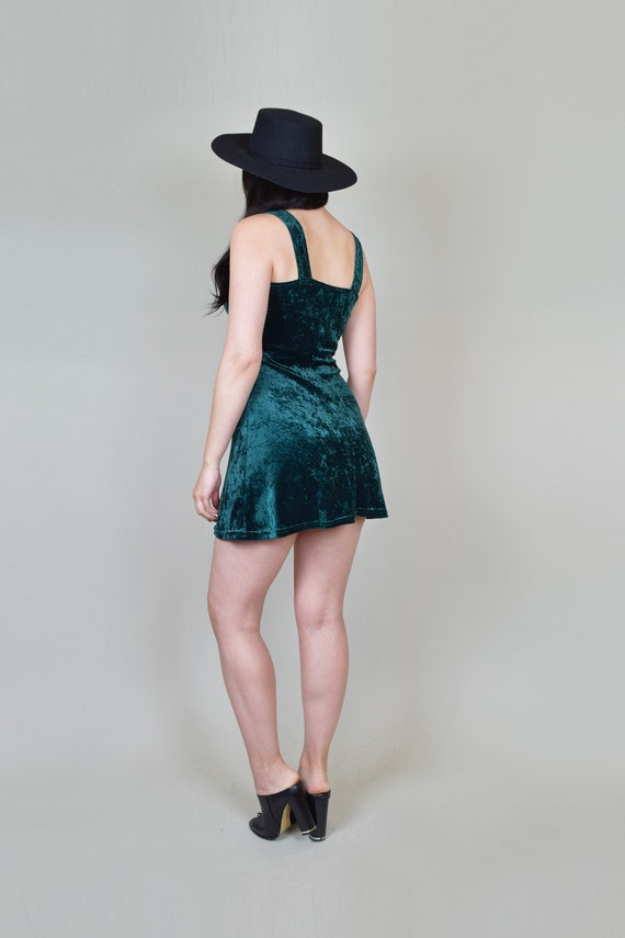 90's Emerald Green Velvet Skater Dress | Vintage … - image 9