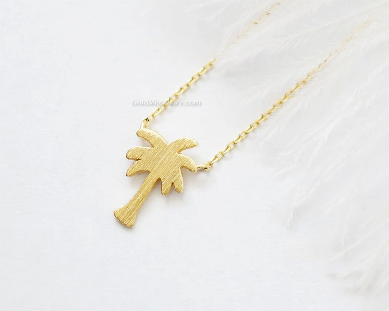 f8fef918246 Tiny Palm Tree Necklace in gold Dainty palm tree Pendant   Etsy