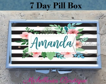 Monogram Pill Box 7 Day, Personalized Pill Box,Custom Pill Box,Gifts for Her,Bridesmaid Gift,Trinket Box Storage,Medical Pills Storage,MB401