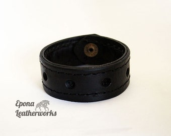 "Stingray Bracelet - Stingray and Leather Bracelet - Stingray Jewelry - Size  8"" - Epona Leatherworks"