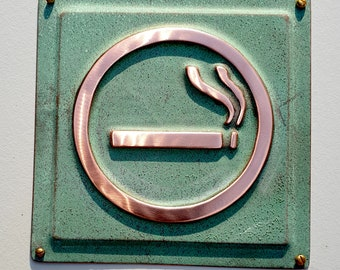 """Smoking area sign Plaque in polished, patinated or hammered copper 4.5""""""""/115mm square d"""