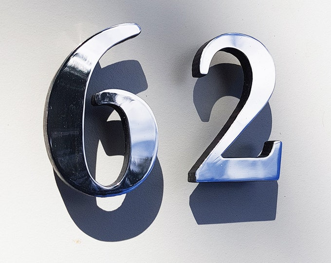 "Traditional floating aluminium faced House numbers  3""/75mm,4""/100mm high Garamond d"