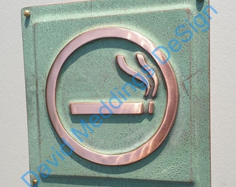 """Smoking area sign door Plaque in patinated or hammered copper 4.5""""""""/115mm square d"""