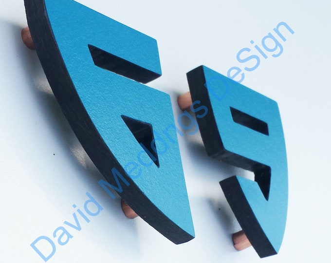 """Coloured Architectural Arts and Crafts House numbers in 12""""/300mm Bala font d"""