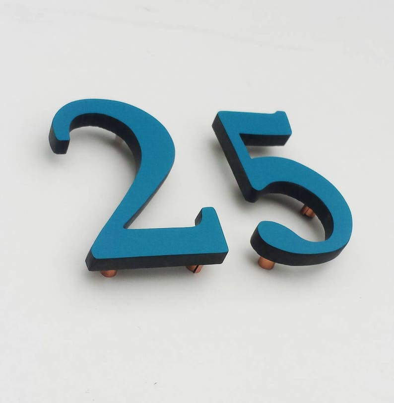Upcycled gift coloured House numbers floating in 9/228mm image 0
