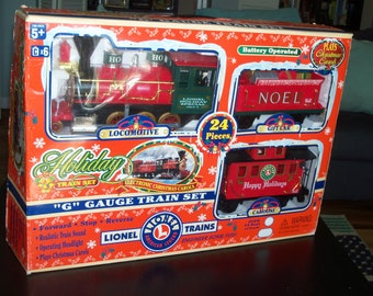 Lionel G Gauge Christmas HOLIDAY TRAIN Set 62134 Engine, Car, Caboose & Track Battery Operated