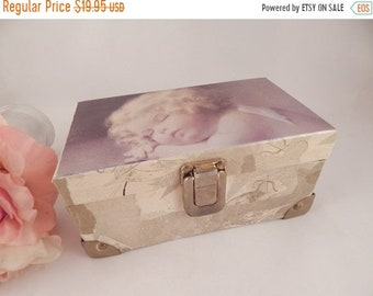 Jewelry Box Angel Girl Sleeping Flip Top Mirrored Trinket Storage Dresser  Top Box Vintage 1990s Tri Coastal Design Cottage Shabby Decor