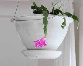 Hanging Planter with built in catch basin, Modern Planter, semi matte grey, indoor/outdoor, multiple sizes available, made in Canada
