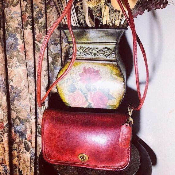 efade5a9b2 Vintage Original Iconic Coach Dinky Handbag In Red Coach