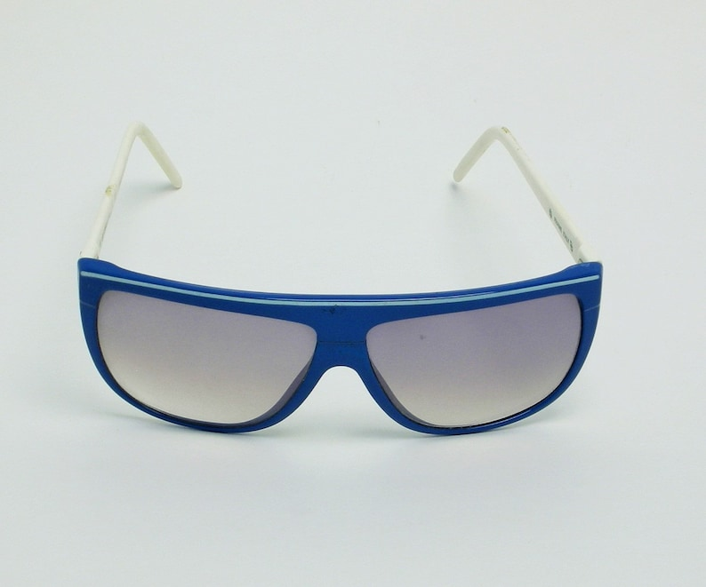 8688721fe3f Liz Claiborne Vintage Sunglasses Blue White Made in Italy