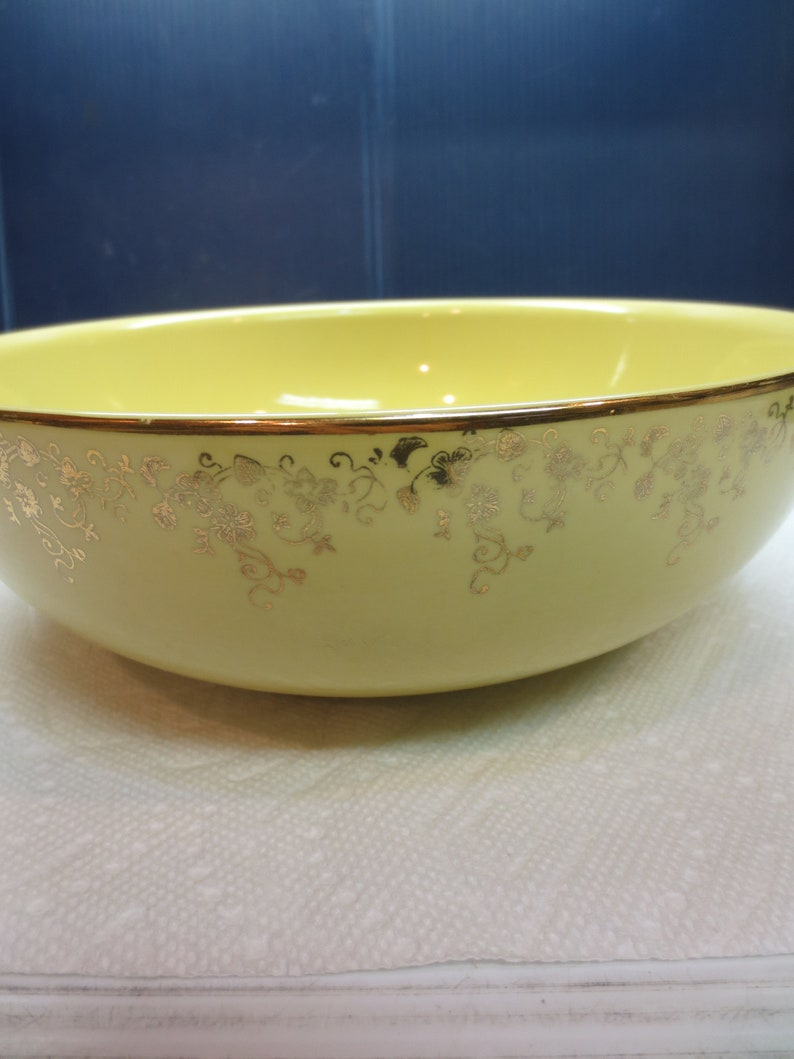 1950/'s Hall Yellow And Gold #0799 Large Salad Bowl