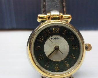 1991 Fossil Ladies Nautical Look Wrist Watch