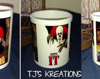 Creepy scary Stephen Kings IT clown mug