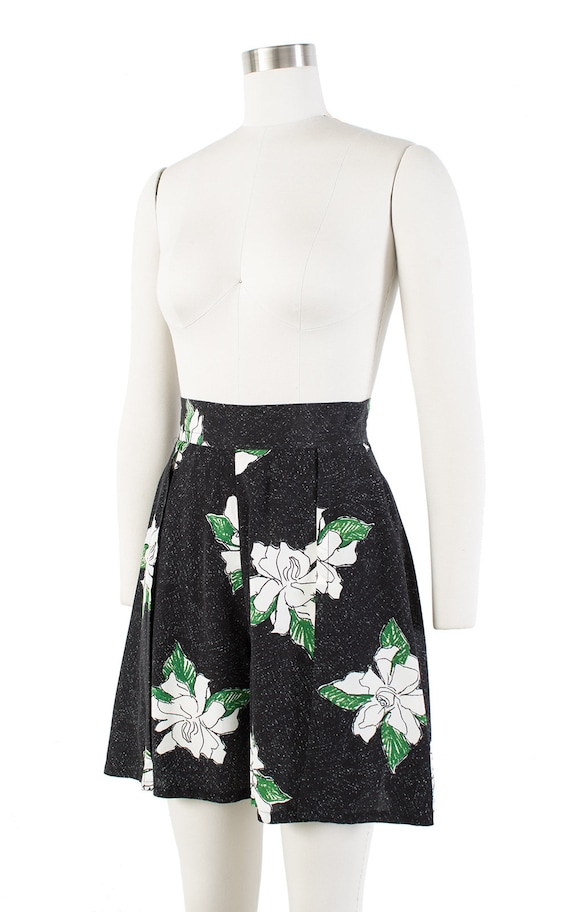 Vintage 1930s Style Shorts | 80s Black Floral Ray… - image 4