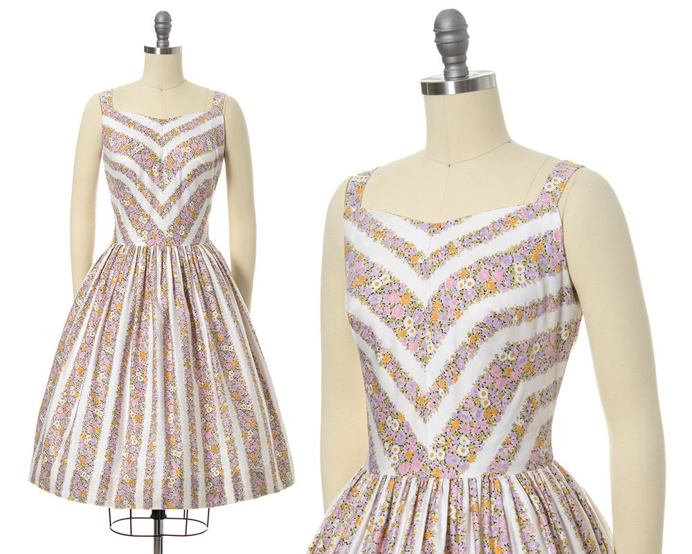 1950s Hats: Pillbox, Fascinator, Wedding, Sun Hats Vintage 1950S Sundress  50S Floral Chevron Striped Cotton Full Skirt Day Dress  Small $18.00 AT vintagedancer.com
