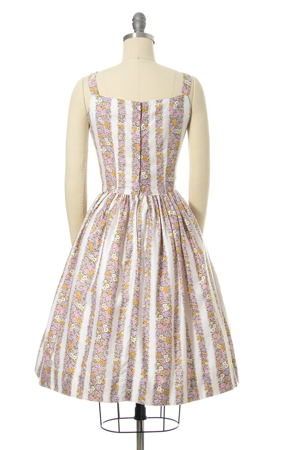 Vintage 1950s Sundress | 50s Floral Chevron Strip… - image 4