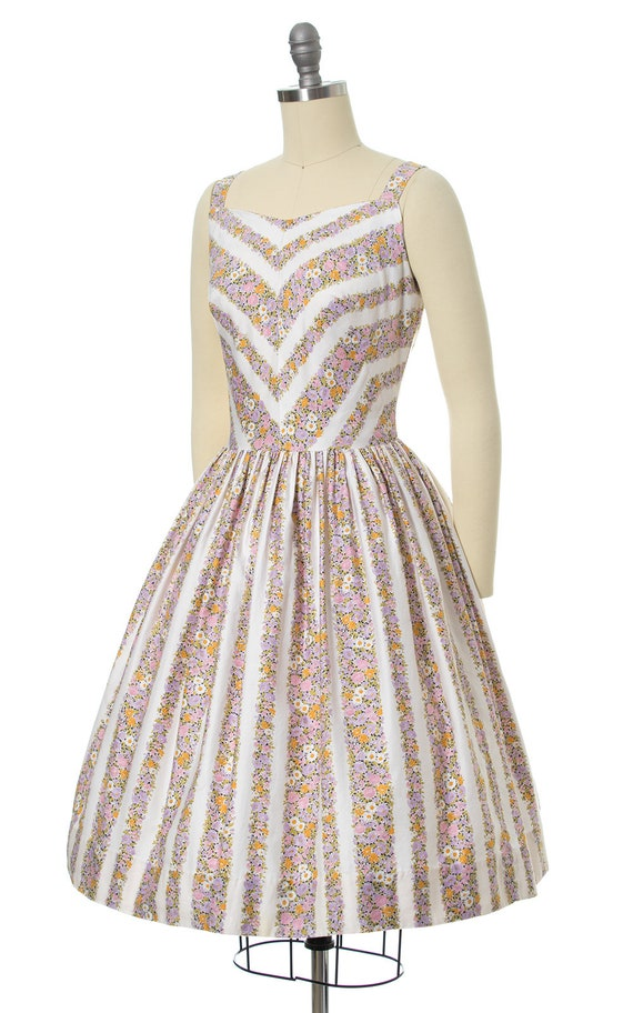 Vintage 1950s Sundress | 50s Floral Chevron Strip… - image 3