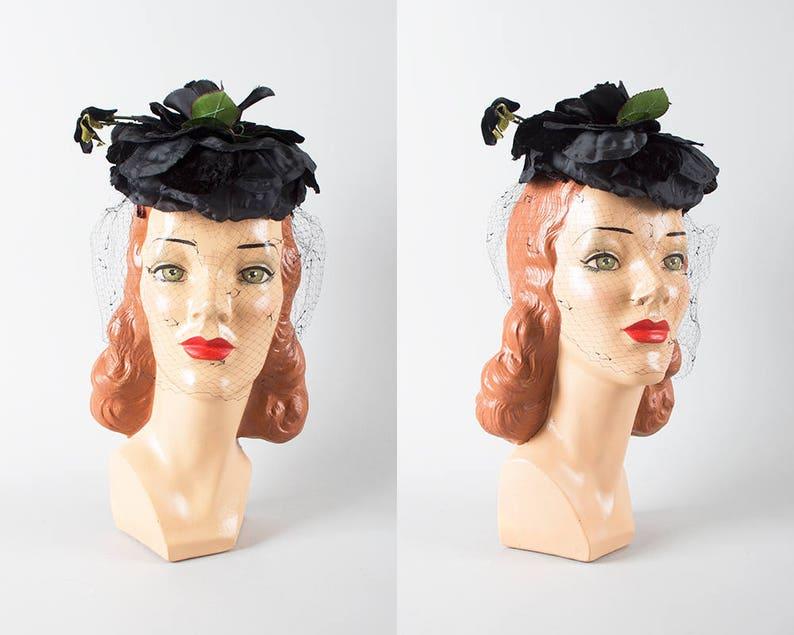 b9f4adf31e5148 Vintage 1950s Hat 50s Black Rose Floral Pillbox Formal   Etsy